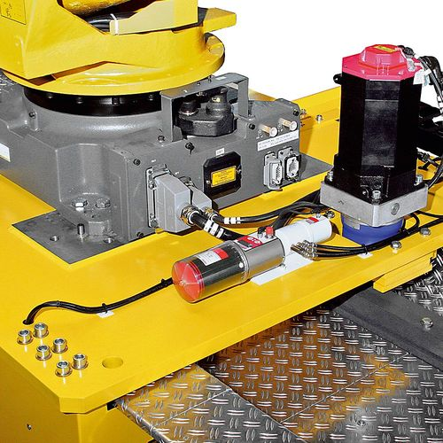 RLE - Robot tracks  ·  WINKEL RLE robot tracks are economical designed and built systems for load capacities up to 10t robot weight.