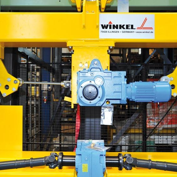 WINKEL Automotive lifter  compact up to 0.8t · SPEED + SILENT linear guides · with stand by drives for max. availability