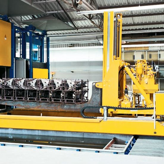WINKEL handling systems · handling unit for hardening process  ·  lifting, moving, tilting, turning  · load capacity 3 t at 5.000 mm LC