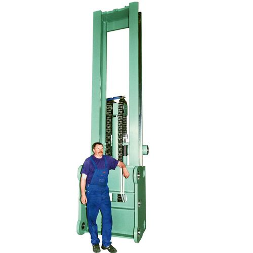 Hydraulic lift masts single upright or telescopic versions load capacity up to 1 – 50t.