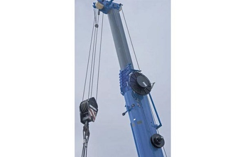 WINKEL hose reel in use – mobile crane
